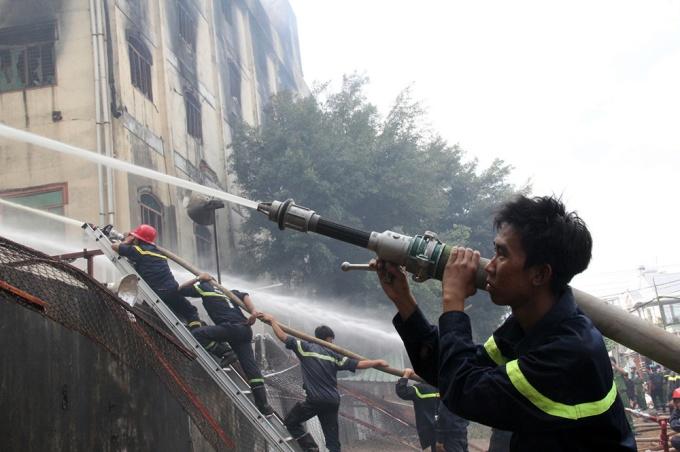 phạt tiền trốn bảo hiểm cháy nổ bắt buộc