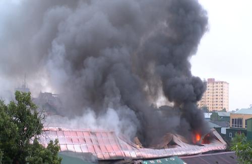 Mua bảo hiểm cháy nổ nhà kho quần áo 2019