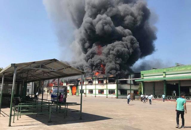 phí bảo hiểm phòng chống cháy nổ